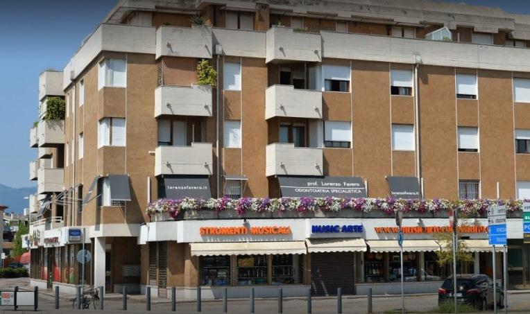 Foto dell'esterno del centro Conegliano (Treviso) – Campolongo