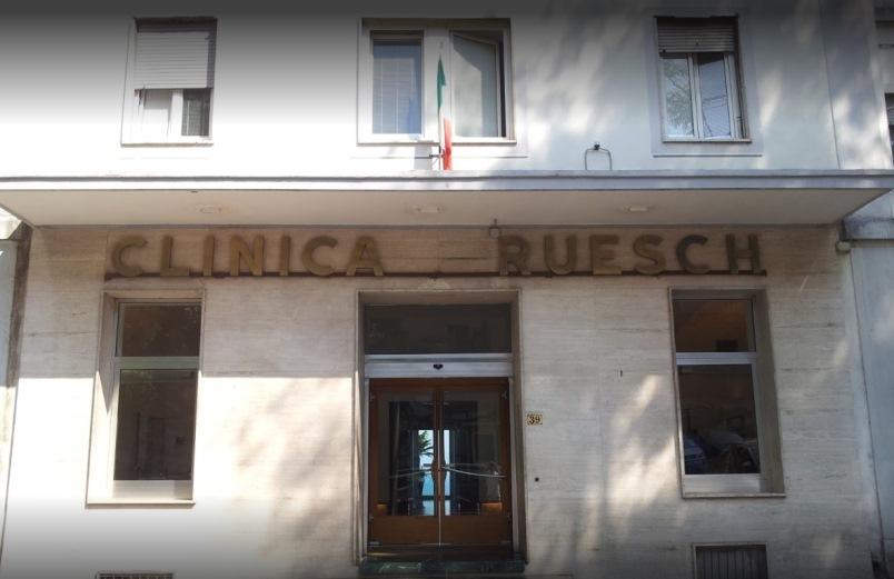Foto dell'esterno del centro Napoli Ruesch