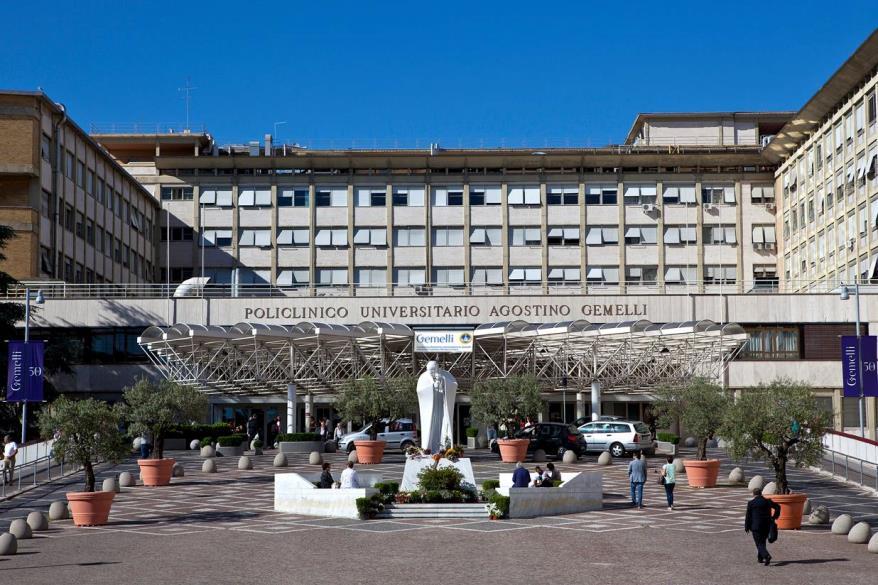 Foto dell'esterno del centro Roma Gemelli
