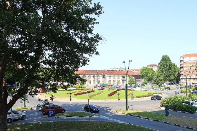 Foto dell'esterno del centro Torino Rivoli