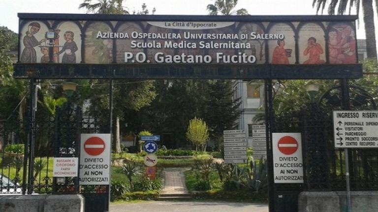 Foto dell'esterno del centro Mercato San Severino (Salerno) – Fucito