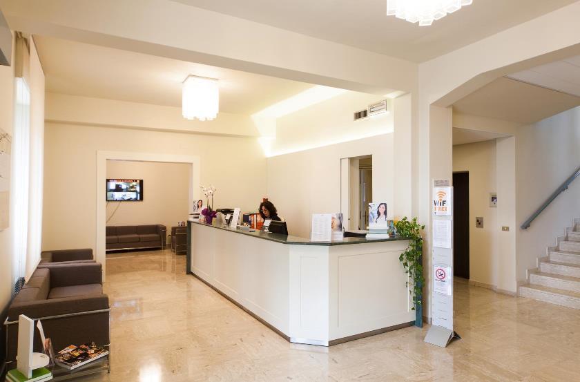 Foto della reception del centro Padova Prato della Valle