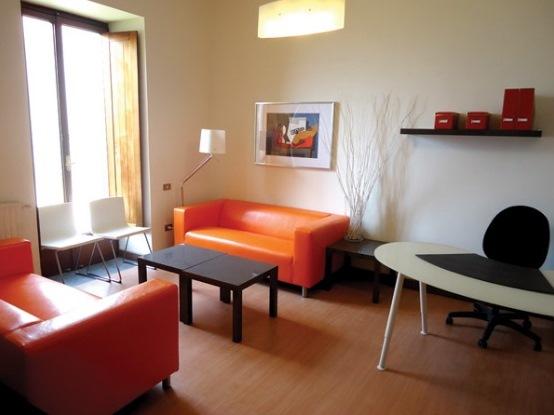 Foto della sala d'attesa del centro Napoli Posillipo