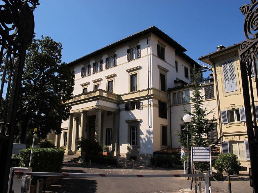 Dott. Riccardo Naspetti foto del centro di Firenze