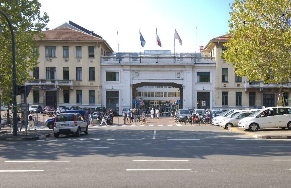 Prof. Alberto Arezzo foto del centro di Torino