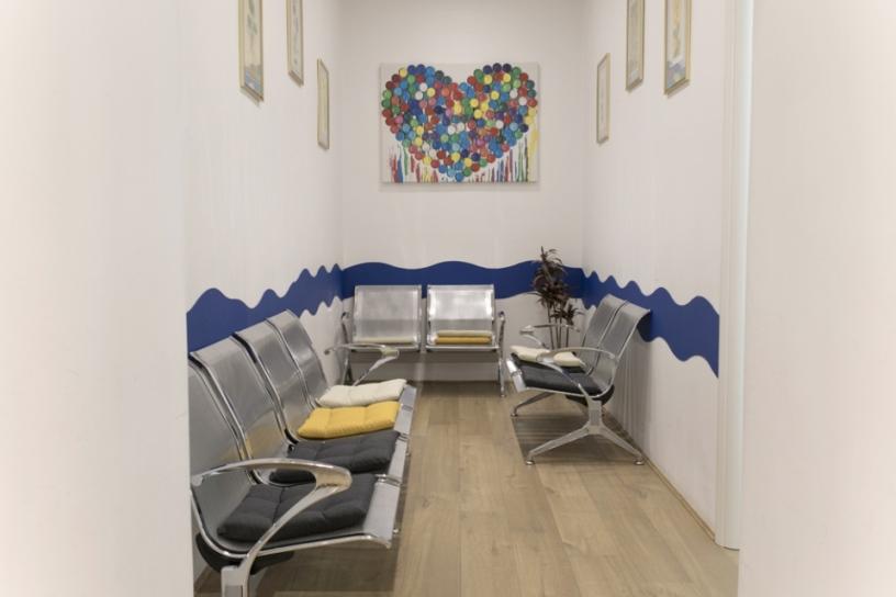 Dott. Antonello Trecca foto della sala di attesa del centro di Roma ISALUS
