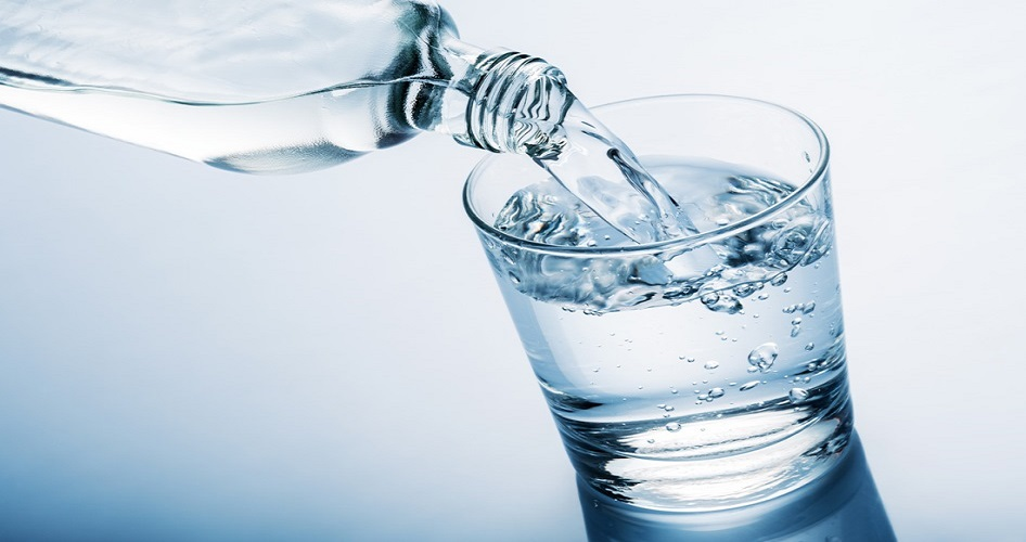bere acqua emorroidi